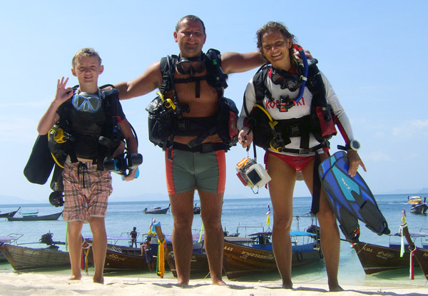 padi discover scuba diving thailand family