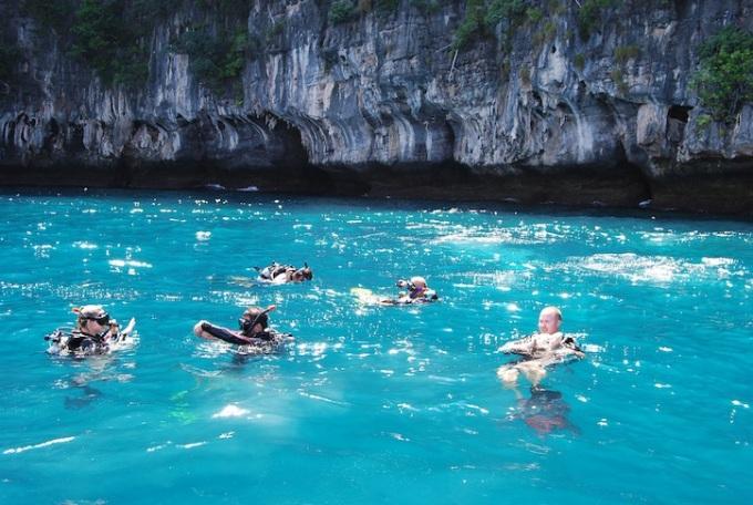 Exotic-Phi-Phi-ley-Cruise-snorkeling-Scuba-diving
