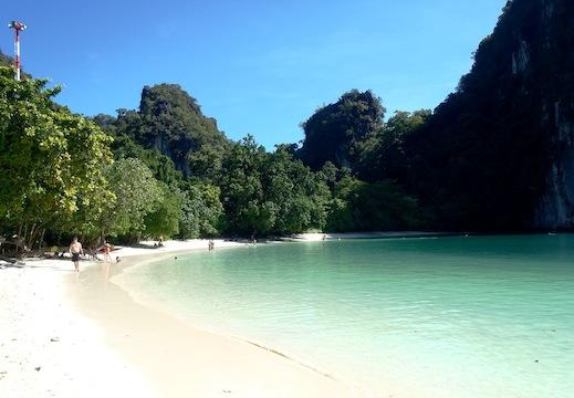 krabi-5-pearls-poda-island-snorkeling-coral-reef