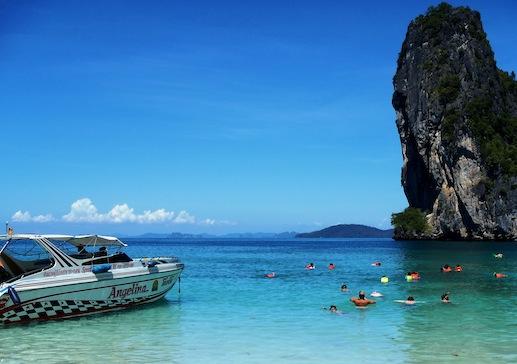 krabi-5-pearls-speedboat-tour-snorkeling-chicken-island