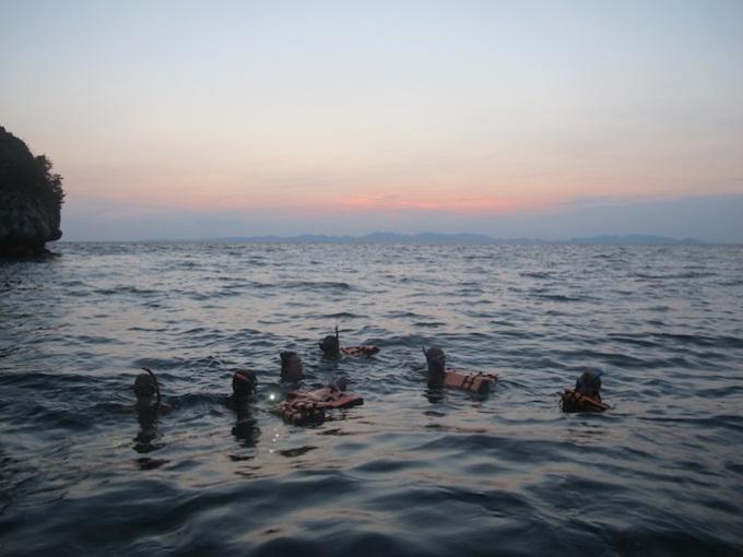 Night-scuba-diving-snorkeling-Ao-Nang-islands